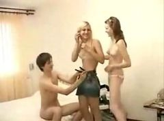 Threesome Sex Of Teens